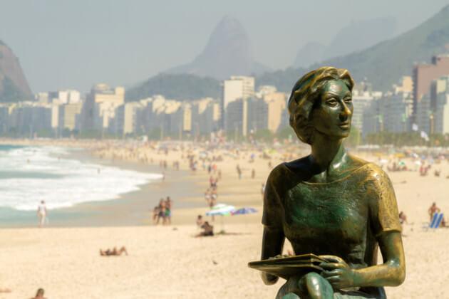Estátua de Clarice Lispector no Rio Janeiro.