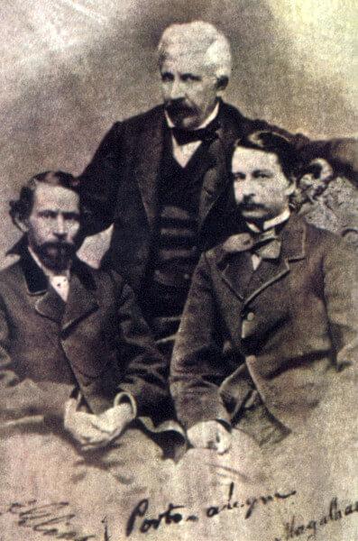 Gonçalves Dias, Manuel de Araújo Porto-Alegre e Gonçalves de Magalhães, renomados escritores do século XIX.