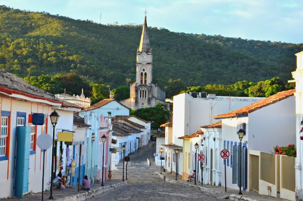 Foto da rua principal da Cidade de Goiás.
