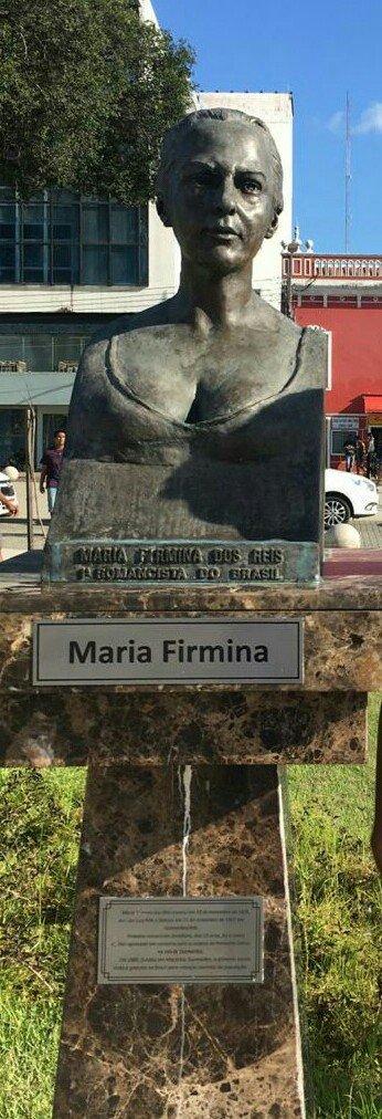 Busto de Maria Firmina na Praça do Pantheon, em São Luís (MA). Não existe retrato da autora, e a escultura foi feita a partir de um retrato falado. [1]