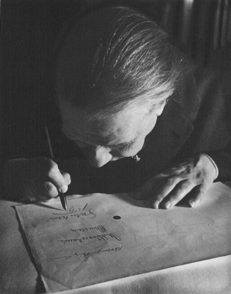 Retrato de Jorge Luis Borges em 1963. Borges é um dos principais nomes da literatura do realismo fantástico.