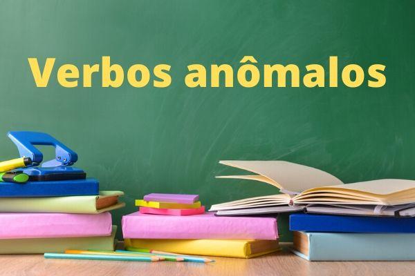 Os verbos anômalos são um fenômeno linguístico.