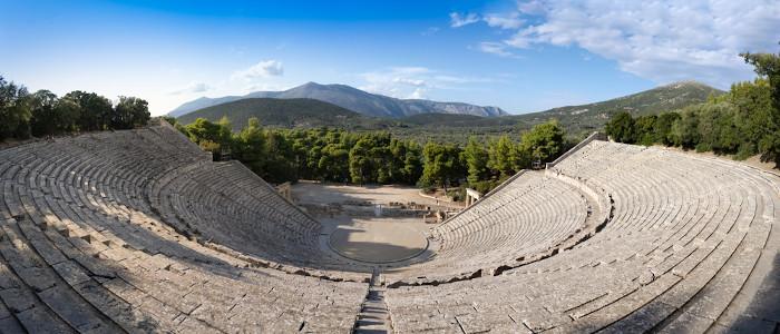 Ruínas do Teatro de Epidauro, na Grécia.