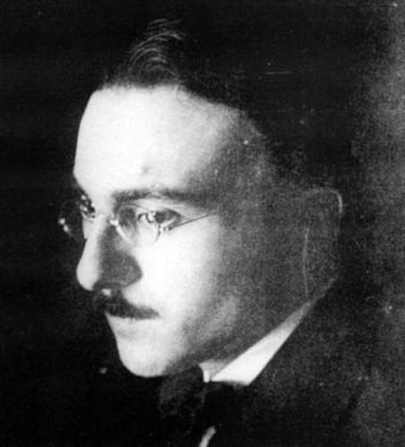Fernando Pessoa foi um dos grandes nomes do modernismo português.