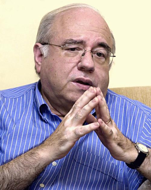 Luis Fernando Verissimo é conhecido principalmente por seus textos humorísticos.[1]