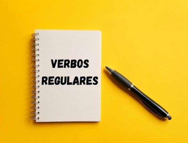 Os verbos regulares apresentam uma padronização em sua flexão.