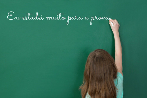A atitude de certeza na oração acima é expressa pelo modo indicativo do verbo