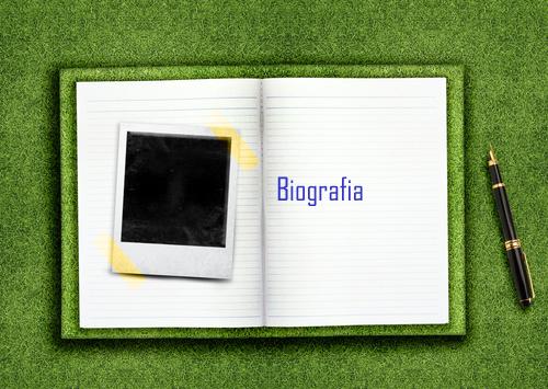 A biografia se caracteriza como um gênero textual, constituída de particularidades linguísticas próprias