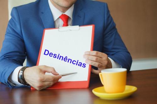 Desinências são partículas nominais ou verbais localizadas no final das palavras para indicar as suas flexões