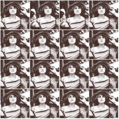 Florbela Espanca nasceu em Portugal no dia 08 de dezembro de 1894. Faleceu na mesma data, em Matosinhos, 36 anos depois*