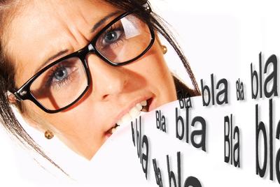 O uso dos clichês pode comprometer a objetividade na escrita, denotando, assim, excessos linguísticos