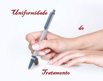 A uniformidade de tratamento se efetiva por meio da adequação do pronome à pessoa gramatical que corresponde a ele